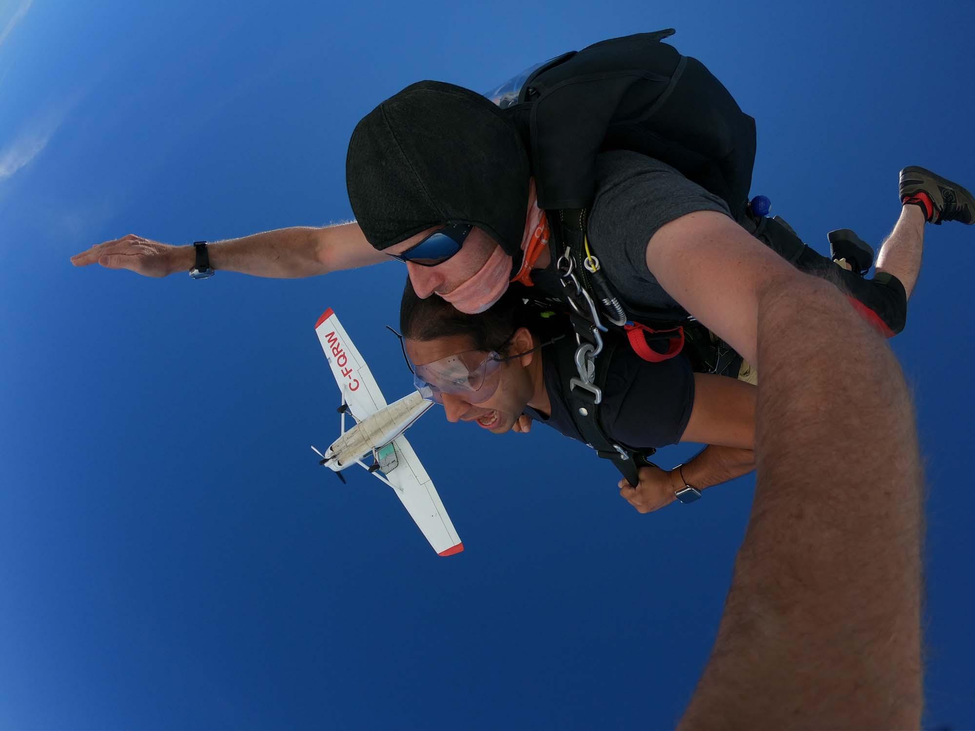 skydive jump pilot